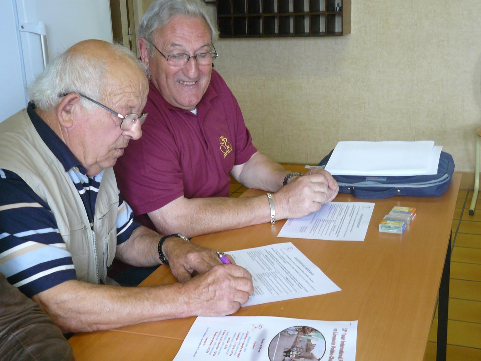 François BON et Claude LECOURT signent la convention de partenariat 2011