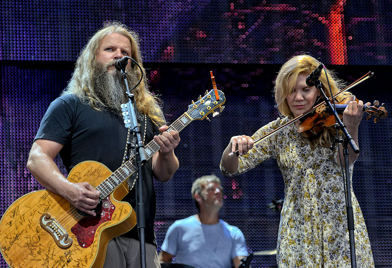 Jamey Johnson and Alison Krauss